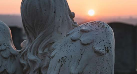 angelic-statue-and-sunset-scenery-3345860